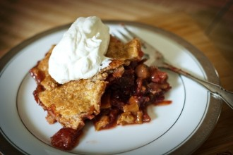 Strawberry Rhubarb Pie with Whole Wheat Crust